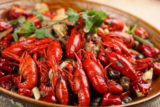 中国人去年为吃花了3.9万亿 最喜欢吃的竟是它