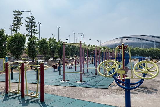公共健身场所不足 7成受访者希望学校开放体育馆
