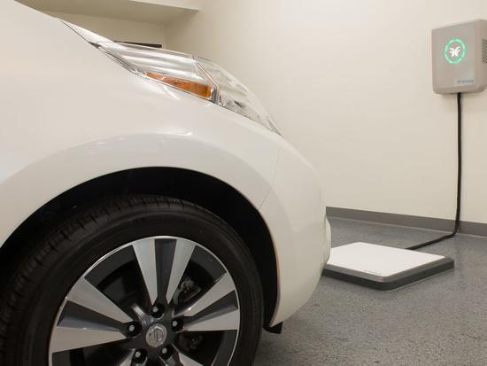 汽车无线充电时代即将到来?美创企开发磁共振充电垫