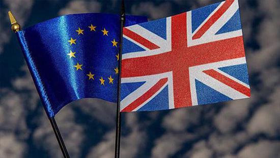 英国脱欧协议草案通过 英镑应声大涨150点