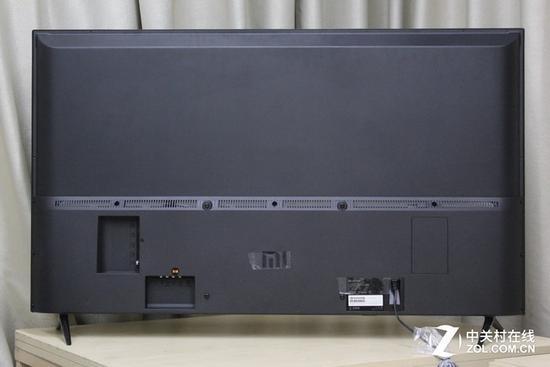 小米电视4a 50英寸独家首测   边框部分使用的材质为塑料,机身厚度较