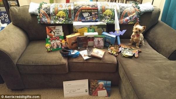 比尔·盖茨再度化身圣诞老人 为幸运网友送出豪华大礼的照片 - 5