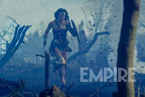 《神奇女侠》公布新剧照 导演:影片将聚焦展现战争的残酷的照片