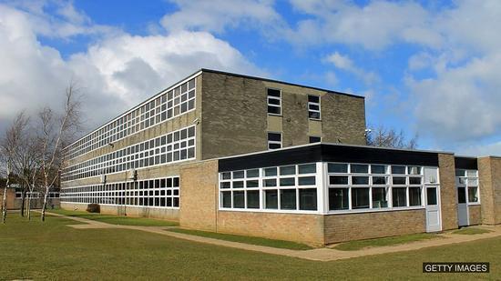 双语:在英国想上好学校 也要生对地方!