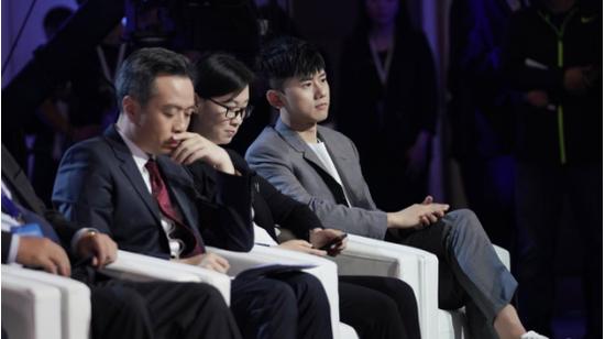 致敬中国品牌日 张杰献唱康震作词《只为美好》