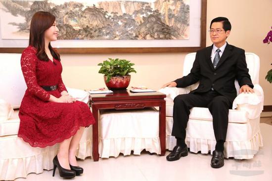"""台""""防长"""":台湾最大安全挑战就是大陆的军事威胁"""