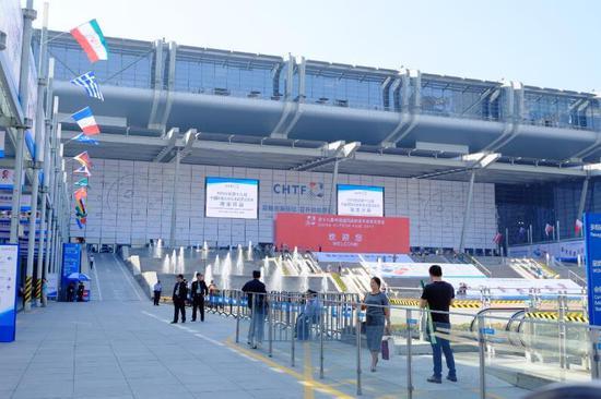 探索中国科技第一展:深企首创AI虚拟生命
