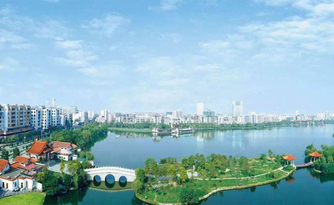 湖北荆州政法机关发文:严惩自己住好房父母住危房