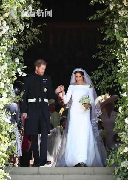 唇语专家揭秘哈里王子大婚悄悄话:我裤子太紧