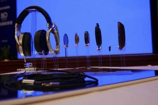 天龙旗舰耳机D7200实拍 采用实木外壳的照片 - 3