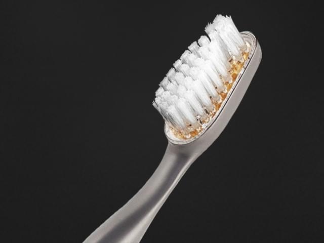 一支牙刷3万块 谁给它的胆卖这么贵?