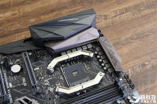 AMD 400系新主板现身:自带PCIe 3.0