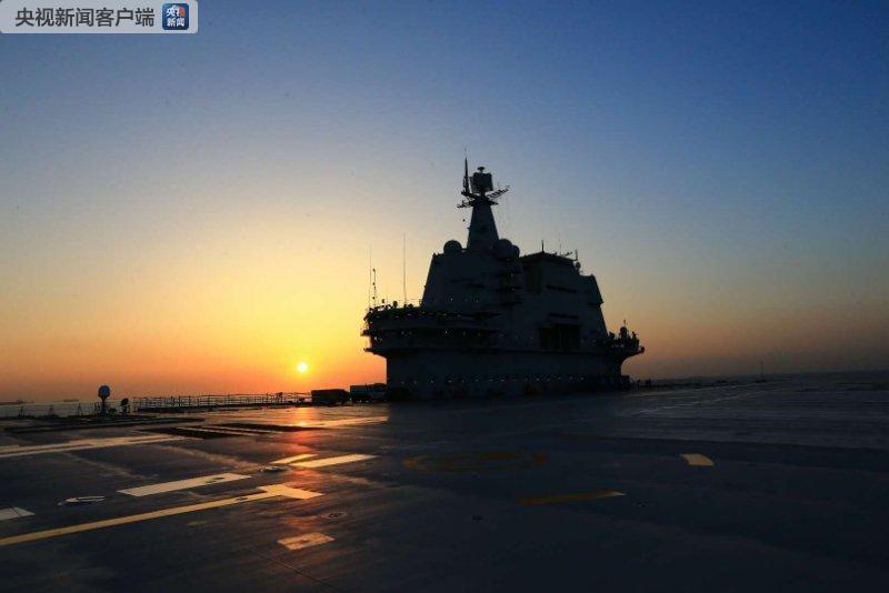 中国第二艘航母完成首次出海试验任务 将返回码头