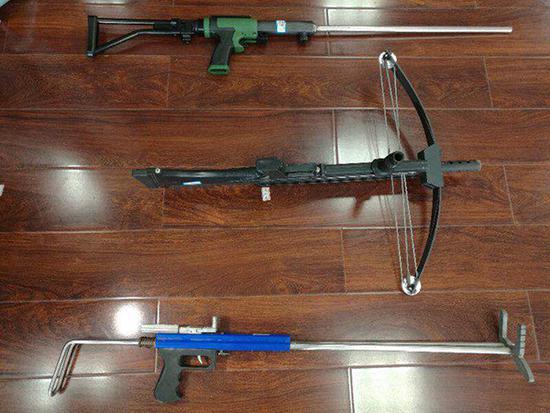 长沙警方破获网上贩卖枪支案 收缴枪支配件3万余件