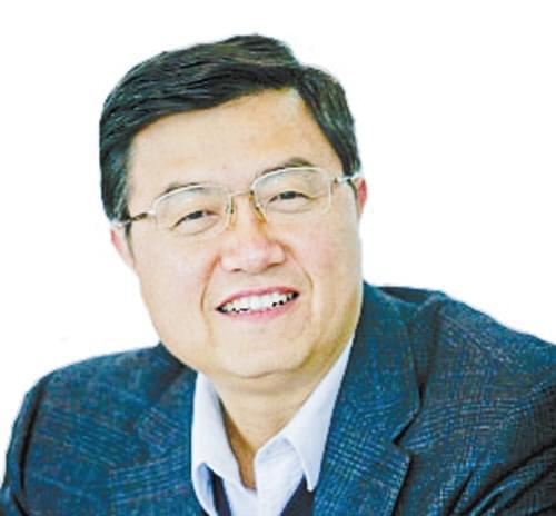 专访全国政协委员、江苏省政协原副主席罗一民: 建立长期护理保险制度 促养老行业进一步发展
