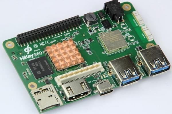 """华为 HiKey 960 开发板介绍:树莓派的""""高端替代品""""的照片"""