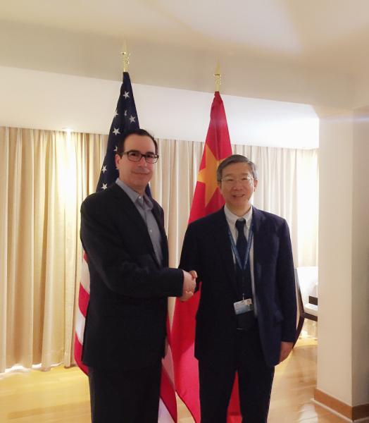 中国人民银行行长易纲会见美国财长Steven Mnuchin