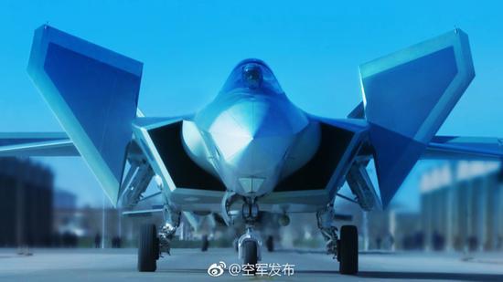 新一代隐身战斗机歼-20列装空军作战部队