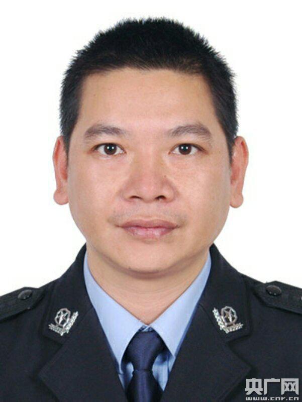 警察疲劳过度昏迷23个月后殉职 曾被绑匪拖行6米多