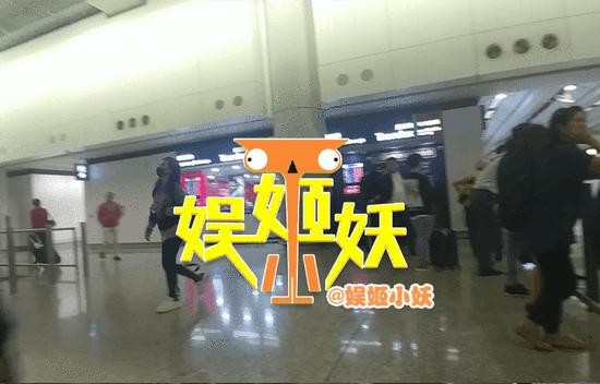 面临股民集体诉讼 赵薇夜奔香港被疑要跑路