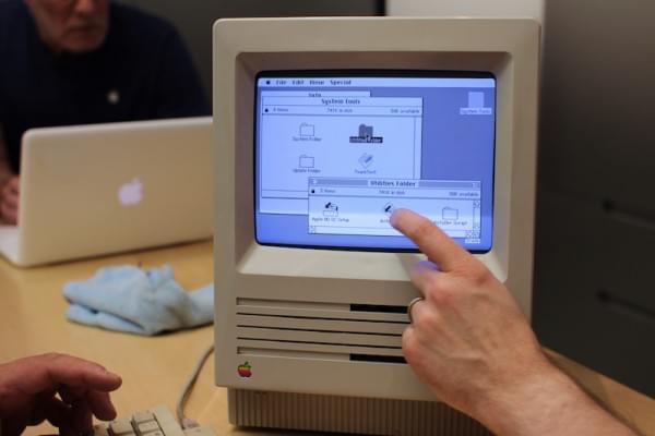 30年前的Mac:苹果天才吧员工还会修理吗的照片 - 3