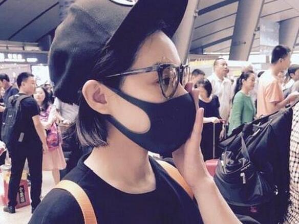刘璇素颜现身天津全运会 衣着宽松引网友猜测