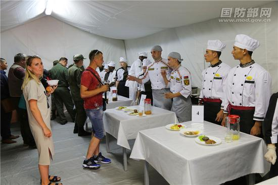 中国野战炊事班赴俄参赛 5个项目夺4个第一获亚军