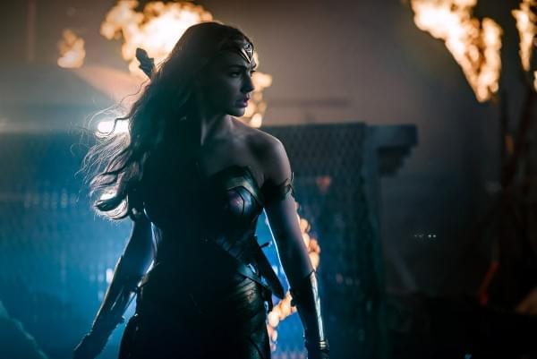 《正义联盟》公布新剧照:超人仍未现身的照片 - 4