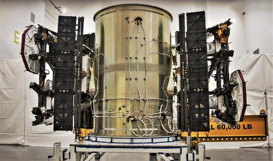 SpaceX太空互联网进展如何?董事:原型卫星表现好