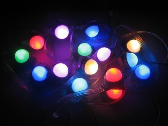 面板大战开打 三星抢Micro LED技术与人才