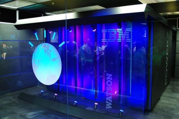 IBM研发AI软件 根据话音可推断一个人的年龄的照片