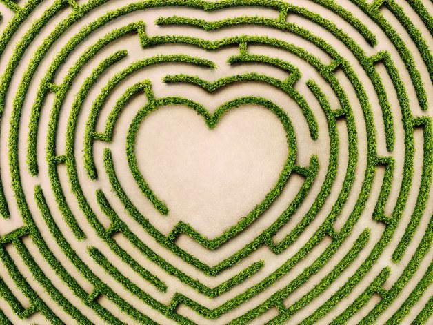 互联网社交当道的时代 没有约会软件能找到爱情吗?