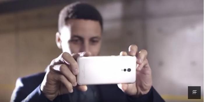 外媒报道库里抛弃iPhone 6S换用国产vivo的照片