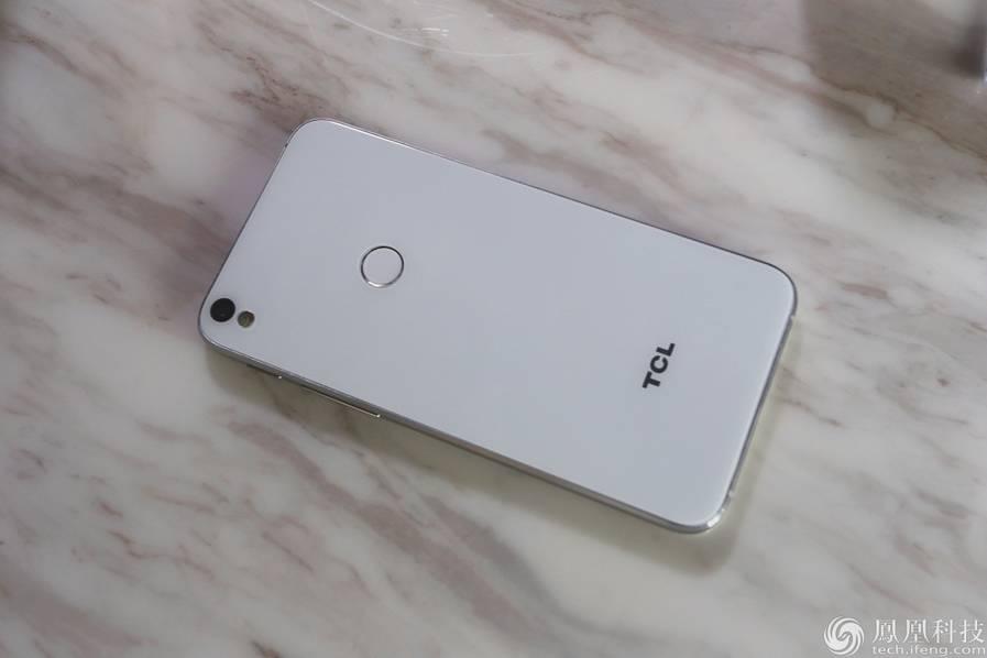 TCL 520发布:主推美颜功能 售价1290元的照片 - 17