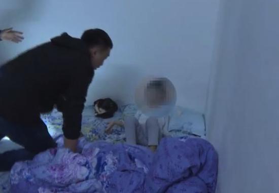 女子在家中被一只手捂住嘴喷药,醒来发现3岁儿子已经...