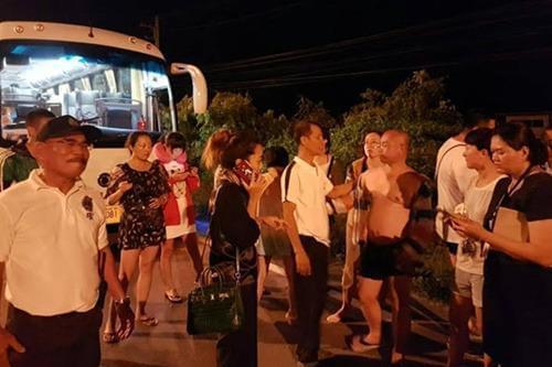 临时加费遭拒 中国女导游在泰国半路丢下22名游客