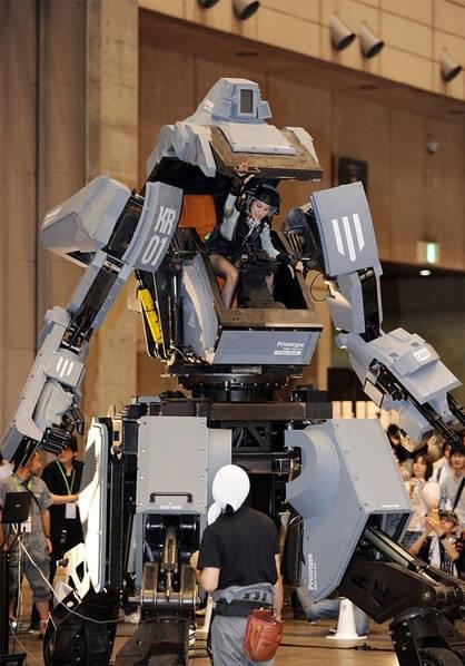 日本研制出可真人驾驶的机器人战士,卖1.2亿日元的照片 - 5
