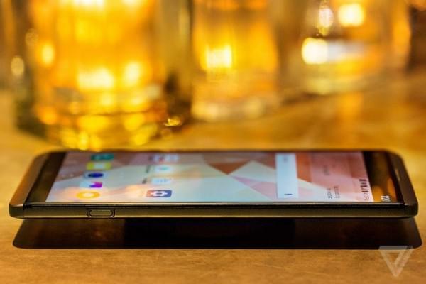 LG V20正式发布:5.7吋2K屏+骁龙820+可拆卸电池的照片 - 3