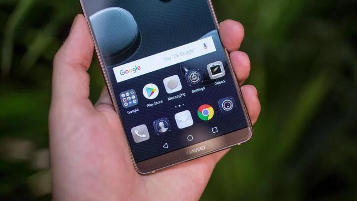 华为明年通过美国电信运营商卖手机,首款是Mate 10