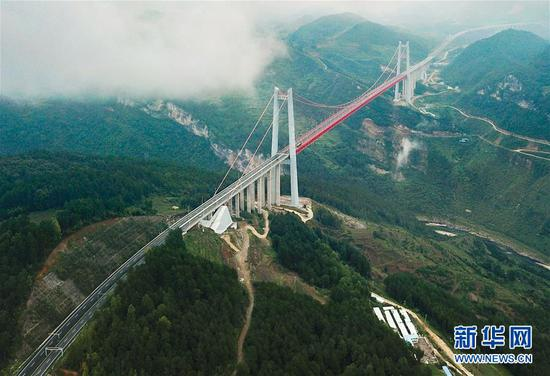 (新华全媒头条·图文互动)(7)从万桥飞架看中国奋斗——在贵州高高的山岗上