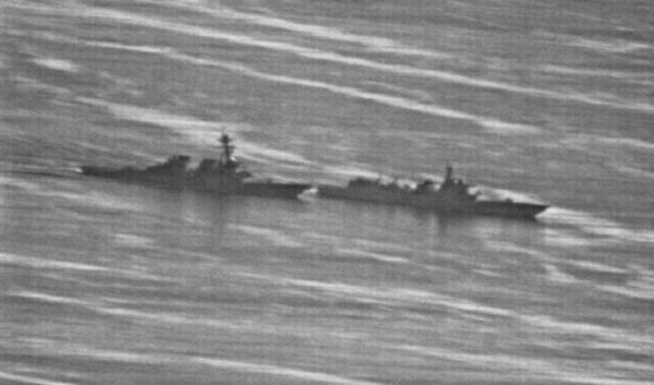 """美军轰炸机再次南海巡航 美官员:""""自由航行""""不能停"""