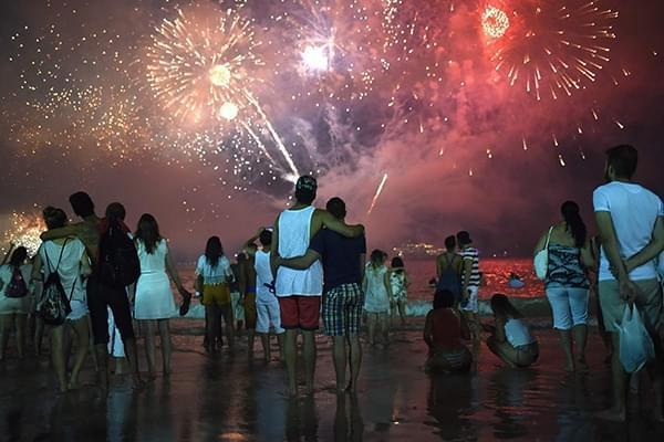 巴西跨年烟火庆典发生群体抢劫案 警方未公布细节
