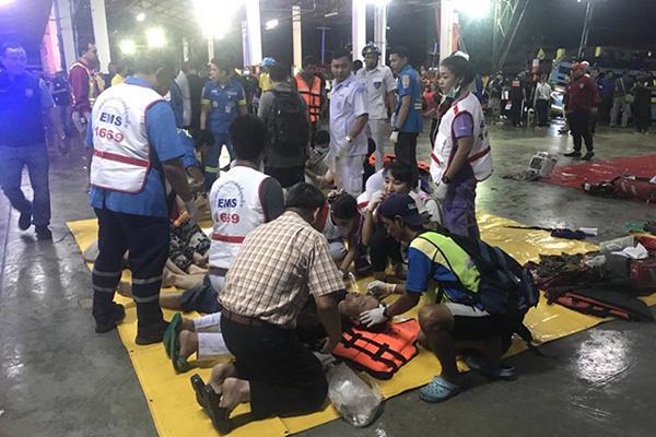 泰国翻船事故遇难者头七 部分逝者家属同意火化