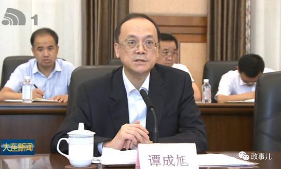 王健林是1954年生人,其商业史上最关键的一站便是大连。