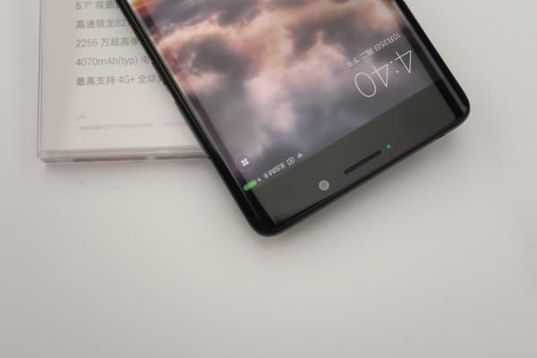 小米Note2双色图赏:精致双曲面屏的商务旗舰的照片 - 8