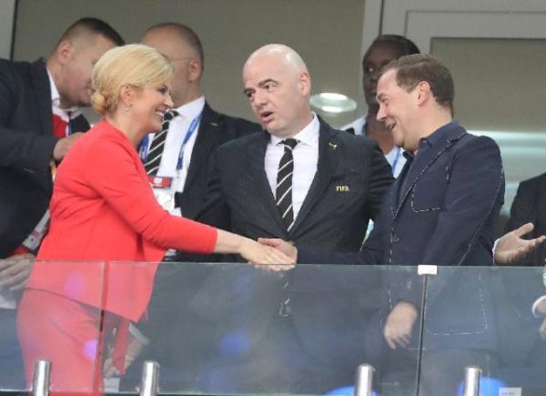 普京两次致电教练 邀请球队总结战绩讨论遗产问题