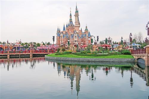 """上海迪士尼复盘:童话世界背后的""""吸金大法"""""""