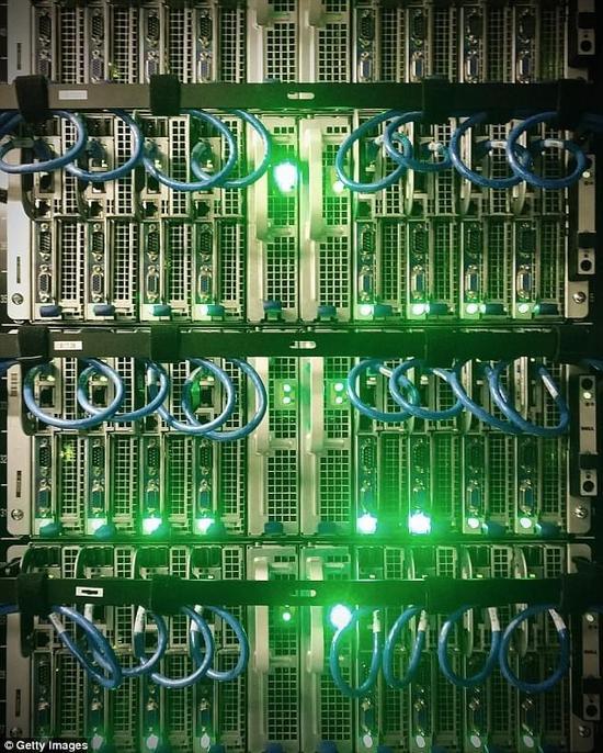 窃取敏感信息新招数:将硬盘闪烁和耳机变成突破口