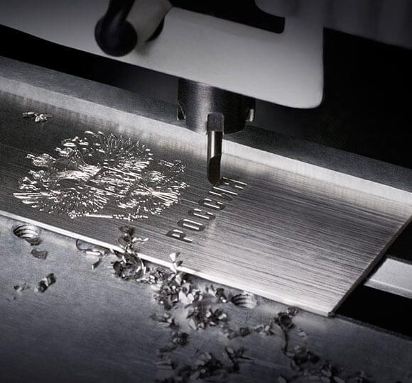 镶钻+5级钛 Gresso售价21万的限量奢侈功能机发布的照片 - 5