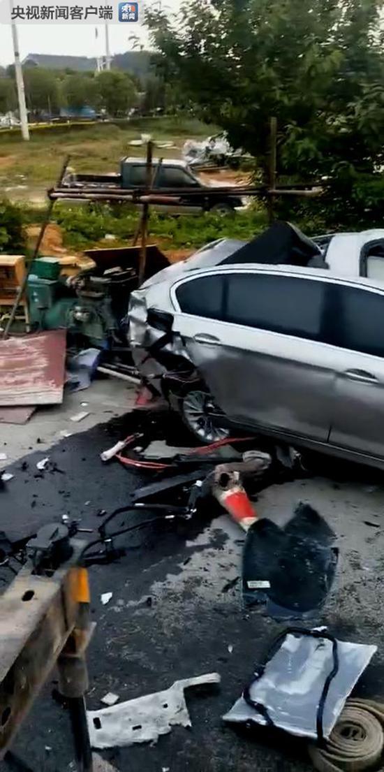 贵州宝马发生车祸当场死亡图片